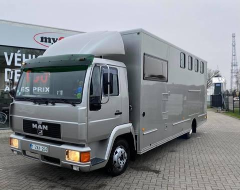 Man 4 chevaux Plus Home Car